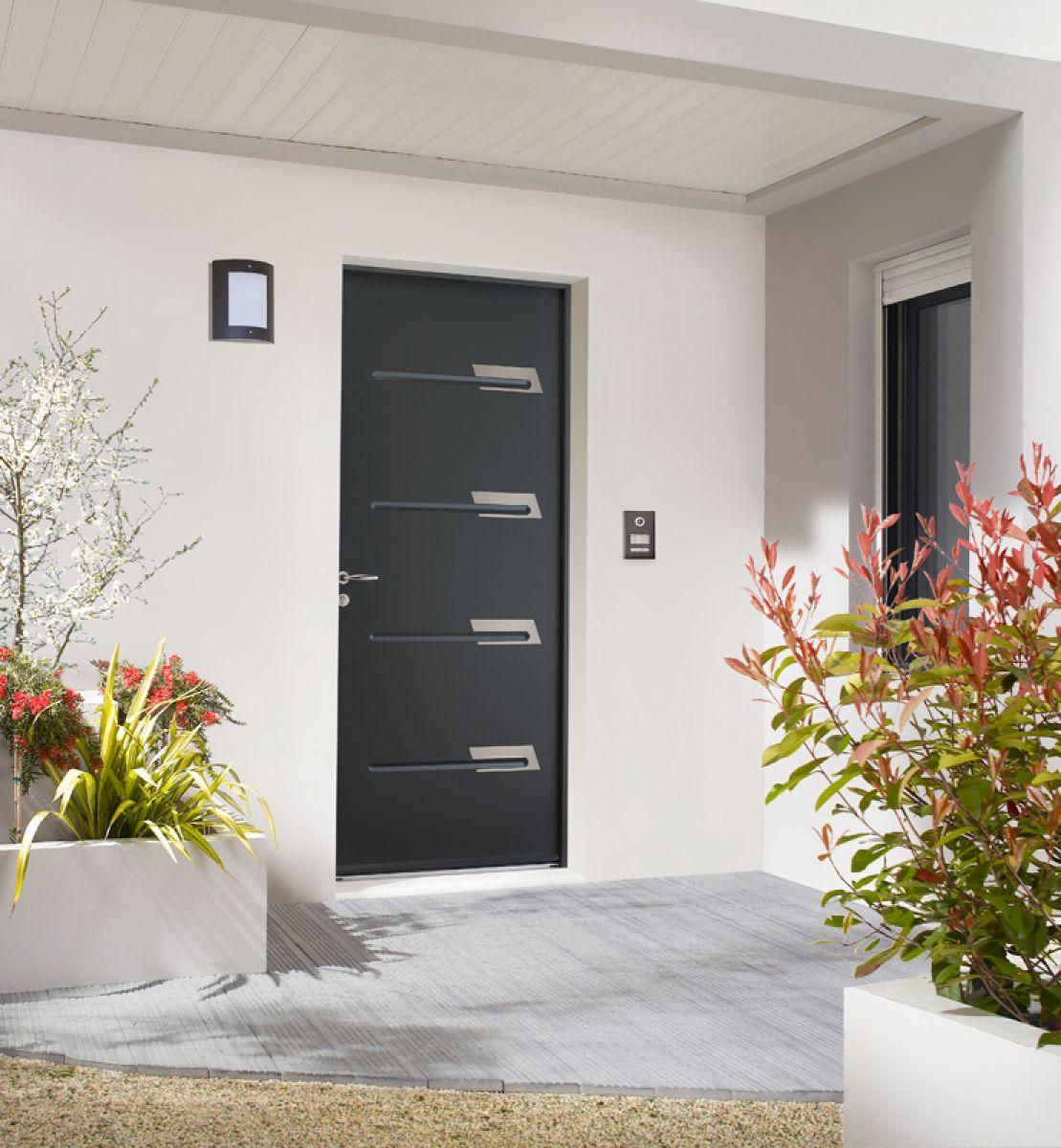 <p>Porte d'entrée Acier Saya<br></p>